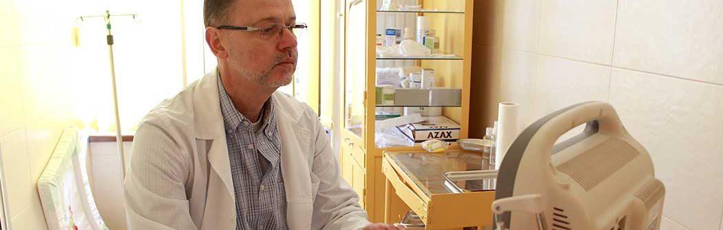 Д-р Мишо Филипов на работното си място